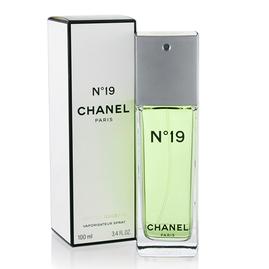 Chanel - No.19